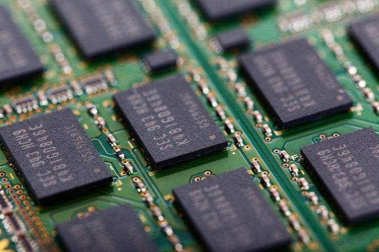 What is the Difference between DDR3 & DDR4 ?